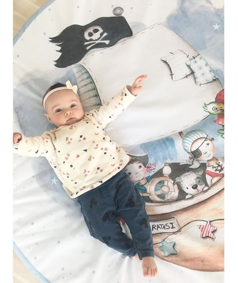 BOYS AND GIRLS PIRATE