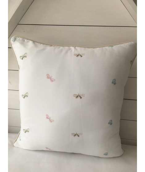 LEAVES JUNGLE AND BUTTERFLIES Pillow